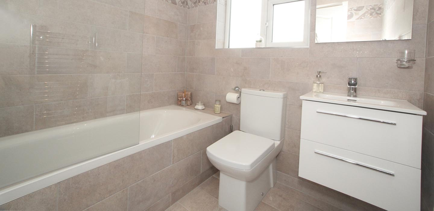 Pd construction dublin construction company for Professional bathroom renovations